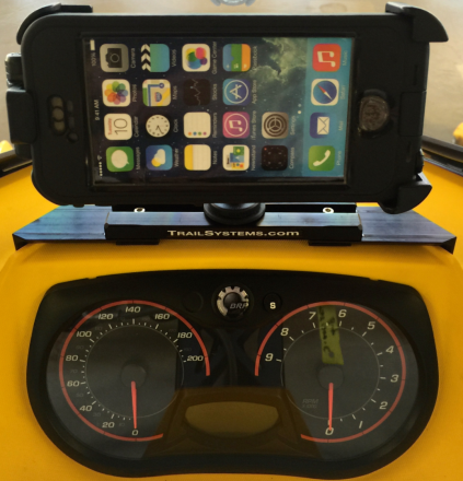 Securely holds a Smartphone or GPS in the ideal viewing position.